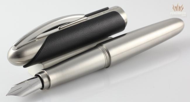 Pelikan Porsche-Design Fountain Pens P3110 Stainless Steel/Gold B